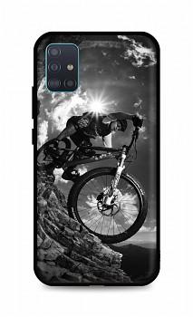 Zadní silikonový kryt DARK na Samsung A51 Mountain Rider